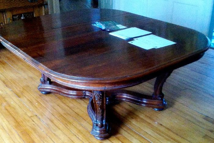 Grand english mahogany dining table, expands to 14 feet
