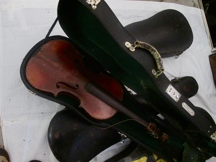 ANTIQUE VIOLINS