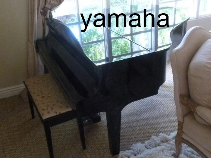 Yamaha Grand Piano, like new