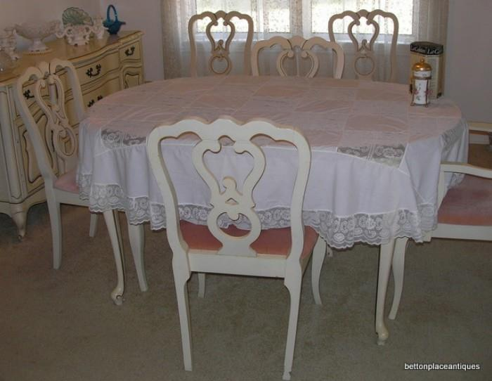 French provincial Dining Table/ w 1 extension /6 chairs