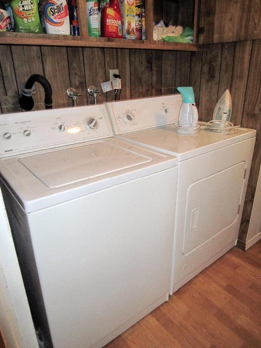 near new kenmore laundry set
