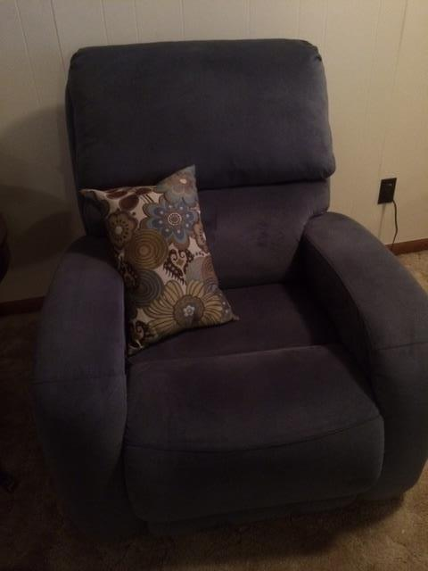 like new electric recliner, one of a pair