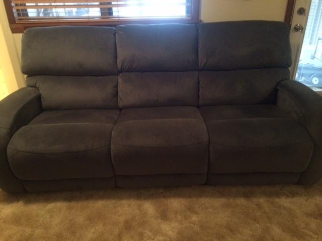 like new reclining sofa that matches the pair of electric  recliners
