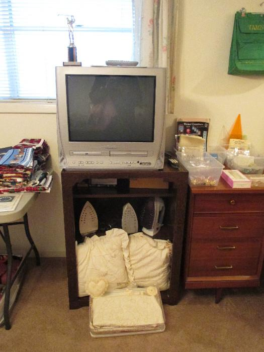 Working Magnavox DVD, VHS TV.  Several Working Irons. One Very Nice Black & Decker Classic In Great Shape.