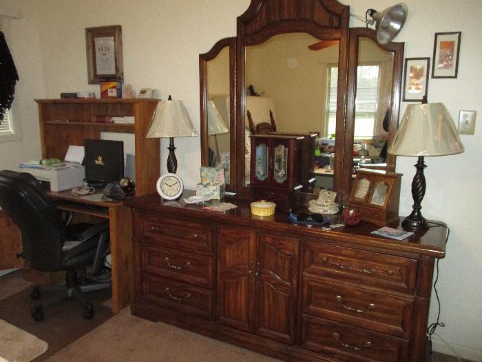 Empire Furniture Dresser In Great Shape.