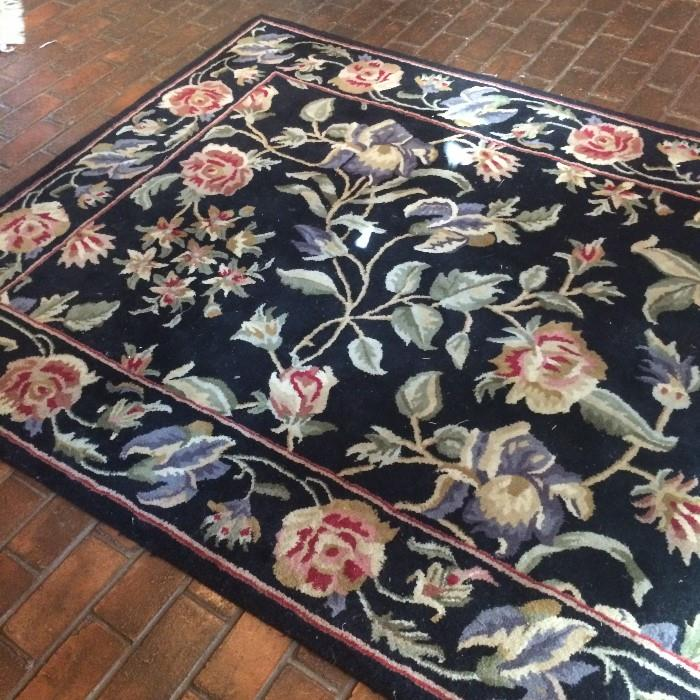 "5' x 7'.5"" decorative rug"