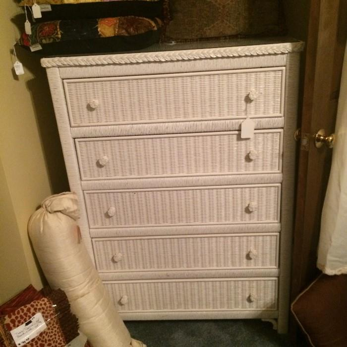 White wicker 5-drawer chest