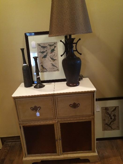 Storage cabinet; 1 or 2 matching lamps