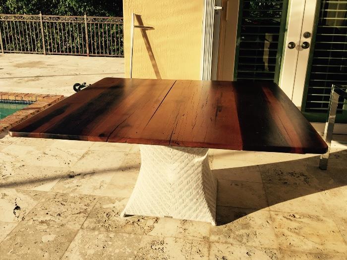 Artifacto square wood top w/woven base