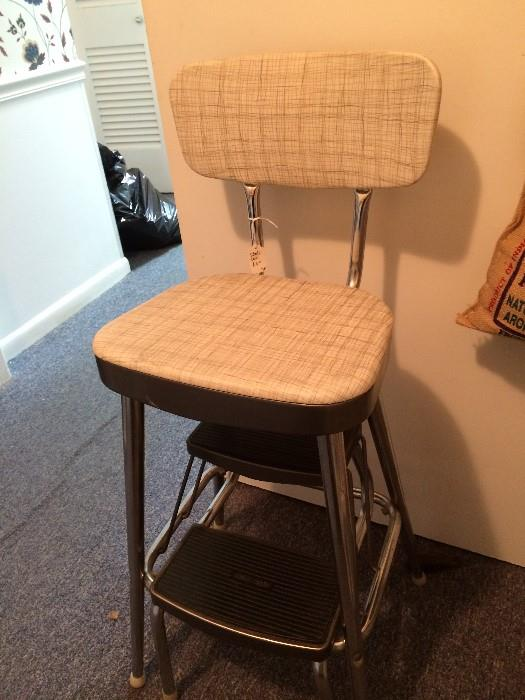 Vintage pull-out step stool