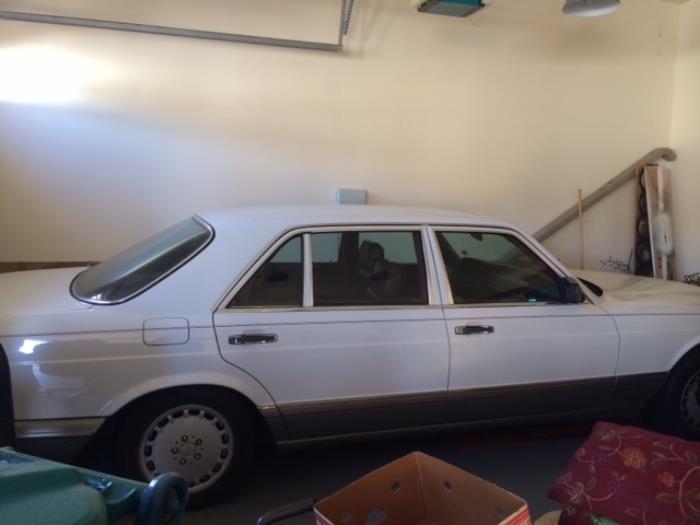1985 mercedes sedan