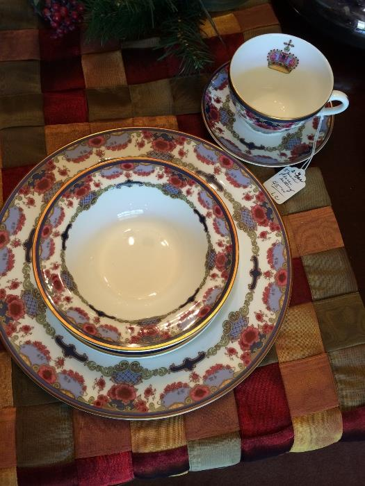 Royal Doulton bone china (England)