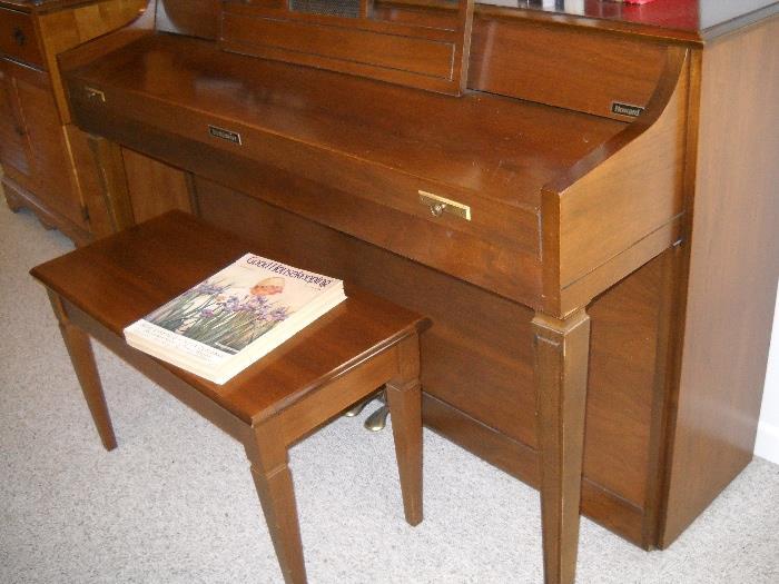 Baldwin Piano.