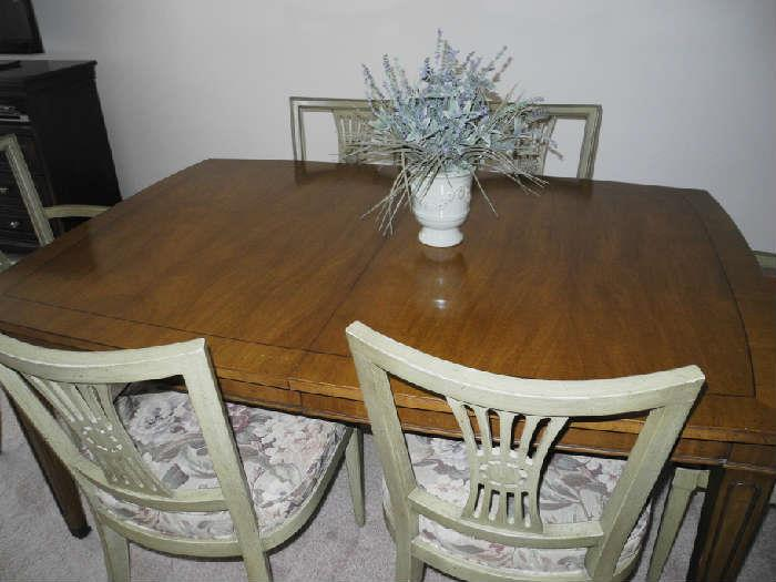 Henredon dining room set