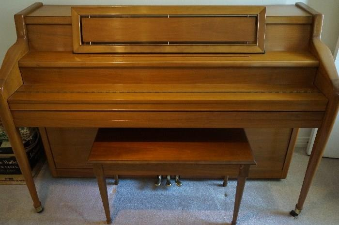 Story and Clark spinet piano with bench