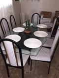 GLASSTOP DININGROOM TABLE WITH 8 CHAIRS