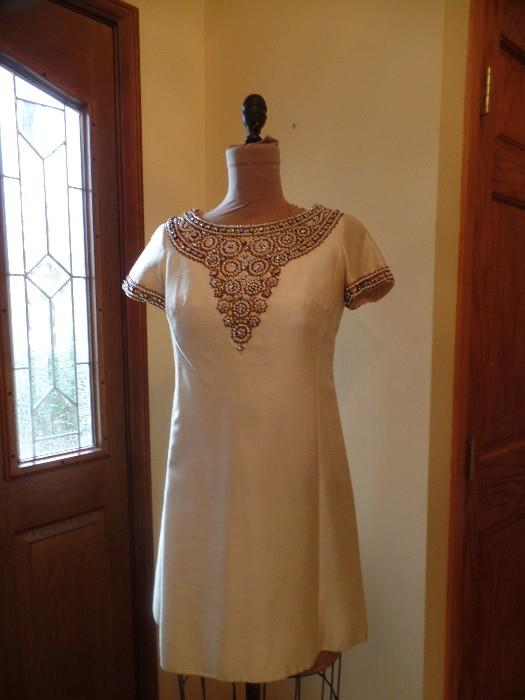 Help us find this gown and win a prize, it's somewhere amongst all the rest and seem to have been misplaced!!