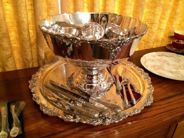 Neiman Marcus Wallace Baroque Punch Bowl Set