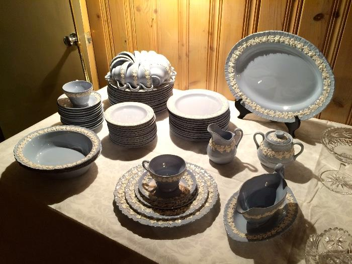 Set of Wedgwood Fine China in the Etruria Queen's Ware Pattern