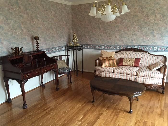 VICTORIAN STYLE FURNITURE