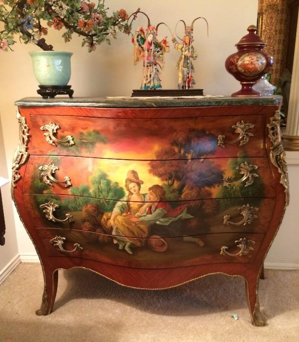Stunning BOMBAY Chest !