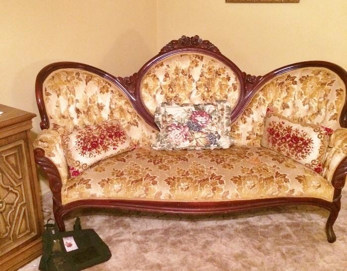 Beautiful Victorian Sofa by Pelham, Shell & Leckie