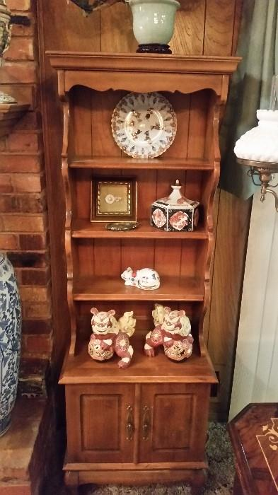 Super cool Early American Style small shelf/Cabinet