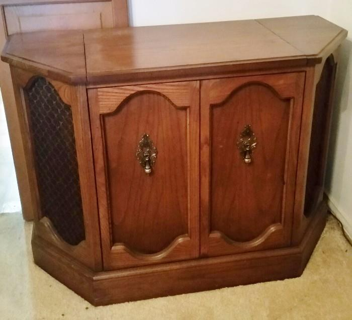 Super cool (Unique Shape) Stereo Console Unit with RECORD PLAYER from Sanger Harris !  (WORKS !!!) :)