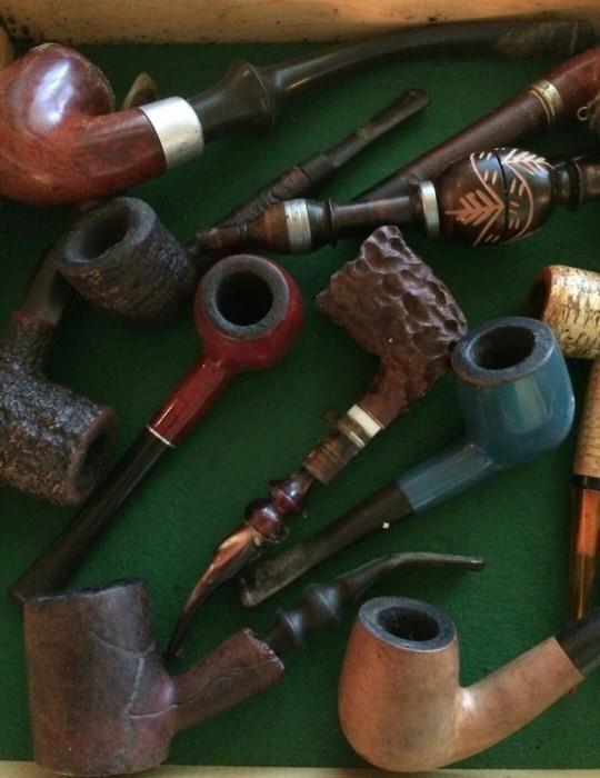 Several Antique/ Vintage Pipes