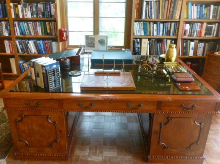 Large mahogany English Edwardian partner's desk