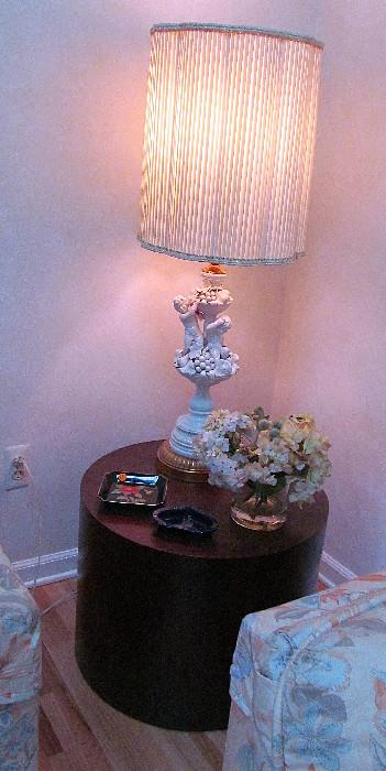 LOVELY ITALIAN, PORCELAIN TABLE LAMP