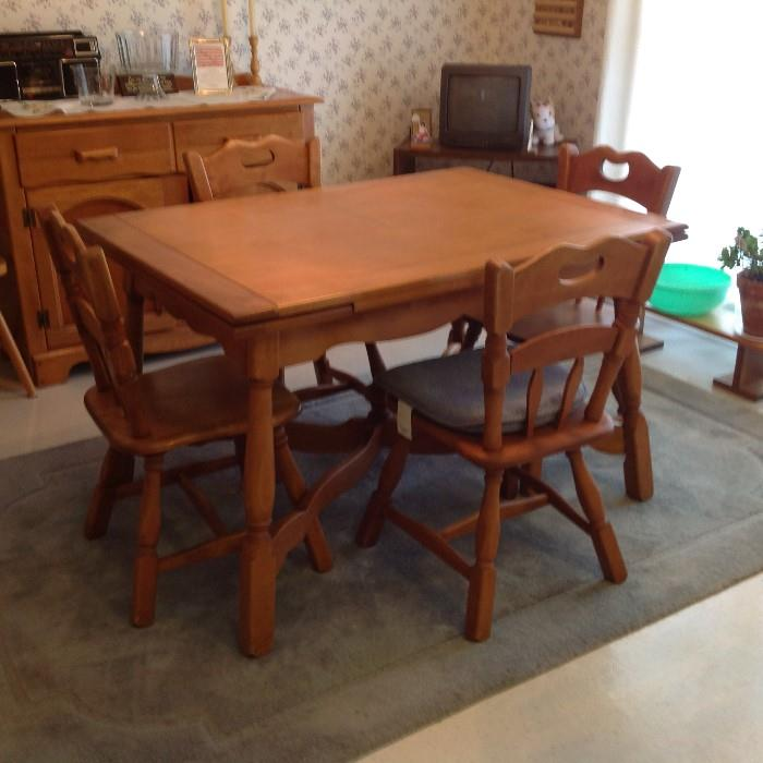 Expanding Table / 4 Chairs - Solid Wood $ 220.00