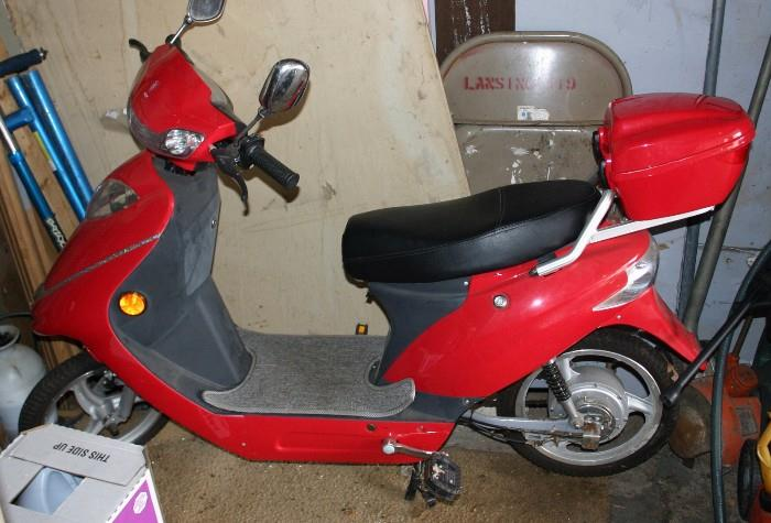 VOY MOTOR SCOOTER