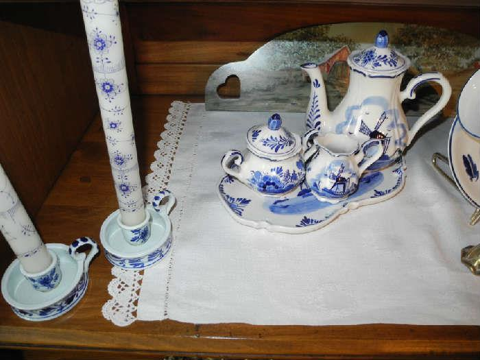 More lovely Delft pieces