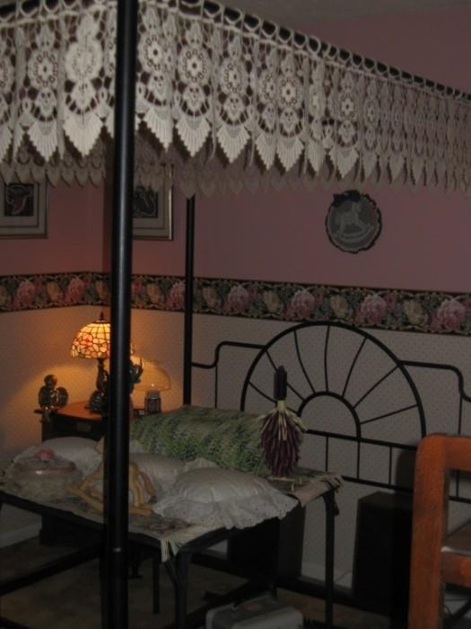 FULL SIZE IRON CANOPY BED