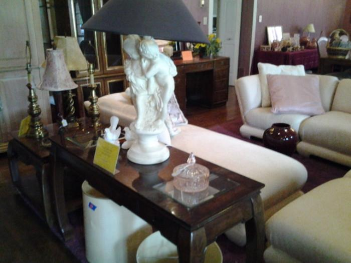 Lamp and Sofa table