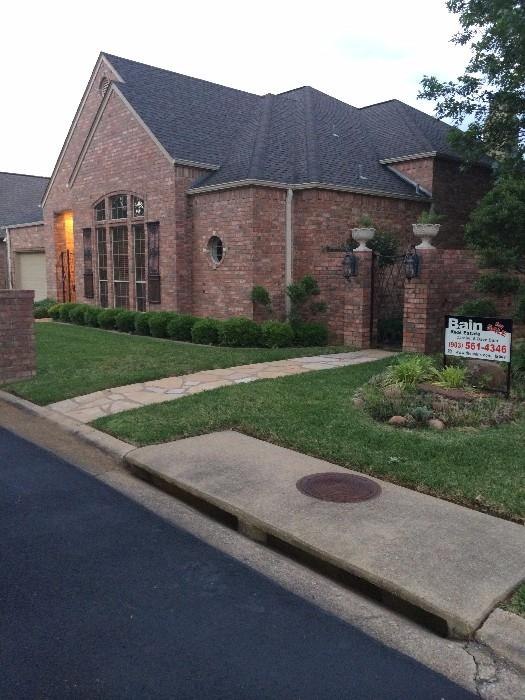 Marvelous 3390 sq. ft. town home in Holly Square (in Hollytree) offered by Carolyn & Dave Bane