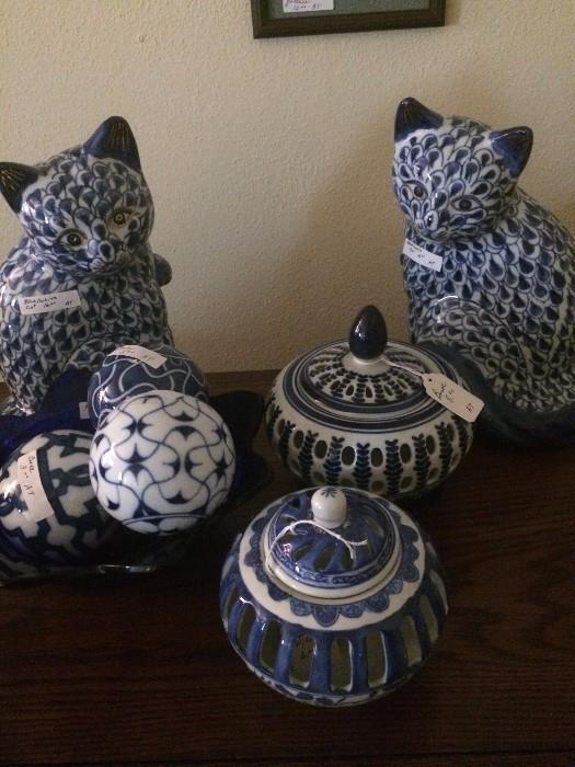 More blue & white decorative accessories