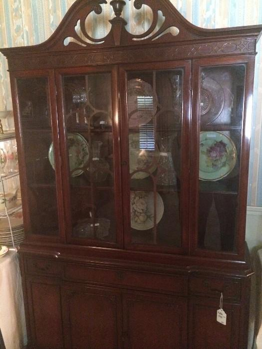Lovely Duncan Phyfe china cabinet