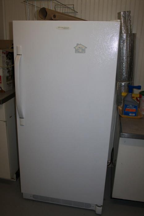 Upright Freezer Extra CLEAN