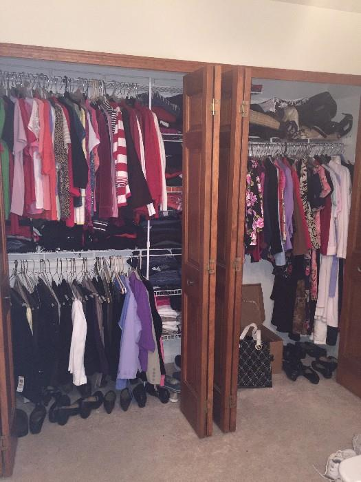 TONS OF WOMENS CLOTHING SIZE PETITE MEDIUM AND SMALL