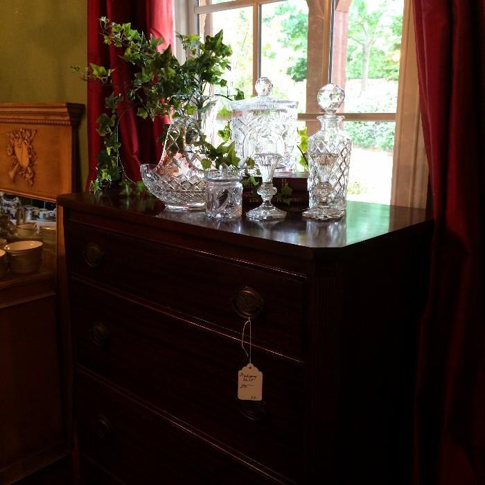 Lovely 4-drawer chest & glassware
