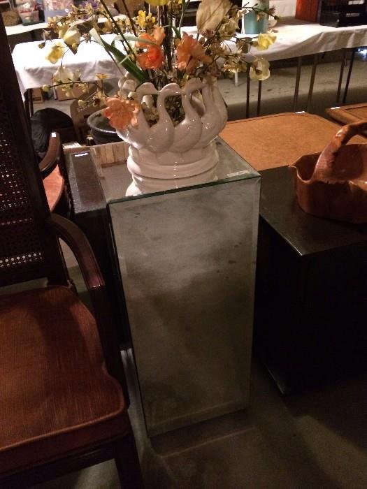 Mirrored plant stand