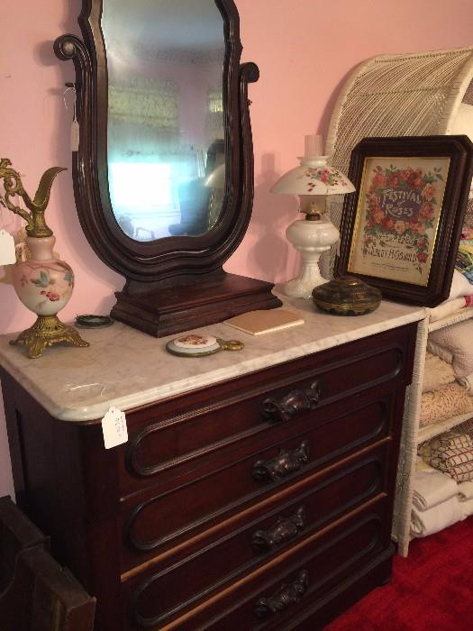 Antique 4-drawer dresser with marble top & swivel mirror