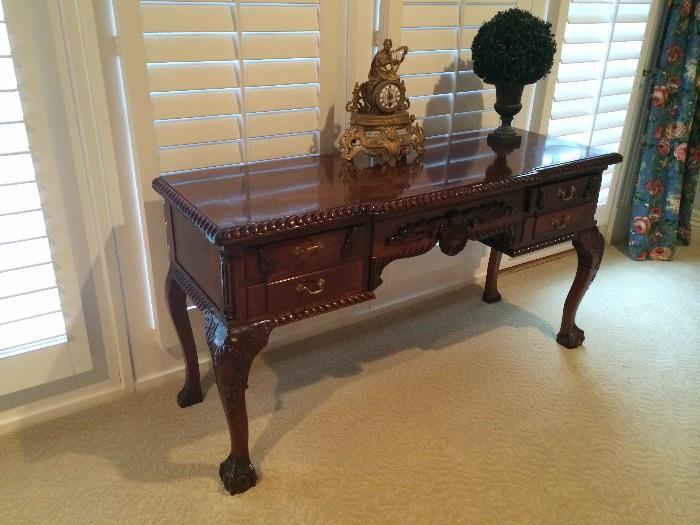 Good-looking sturdy claw-foot desk