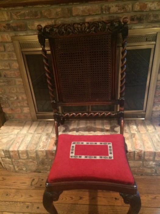 Extremely handsome barley twist fireplace screen and fireside bench