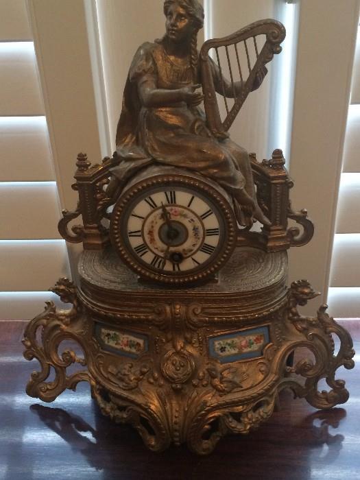 Ornate desk/mantel clock