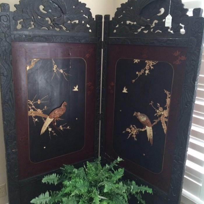 Antique Asian screen with great dimensional bird carvings