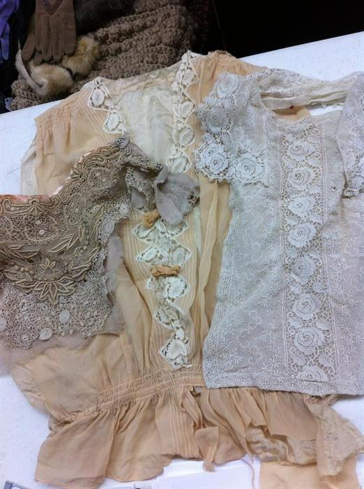Lace inserts and dainty pieces wherewith to make other things. I feel my Downton Abbey accent coming out.