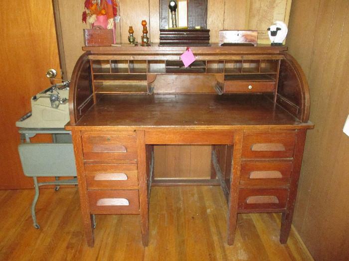 Vintage Beautiful Oak Roll Top Desk